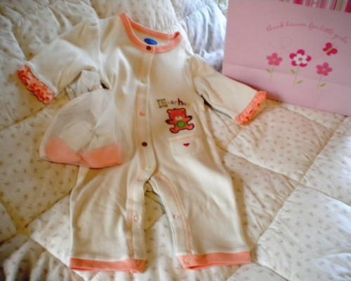 "Bon Bebe Infant Baby Girl ""Bear Hug"" Outfit with Hat 3-6MTH"