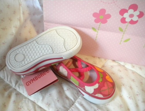 Gymboree Baby Toddler Girl Heart Sneakers Size 4