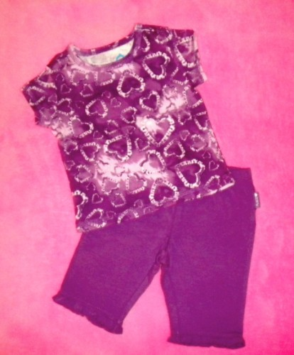 The Children's Place Baby Toddler Girl Purple Hearts Shirt & Capri Set 12MTH