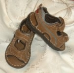 OshKosh Baby Toddler Boy Brown Sandals w/Tan Stitching 6